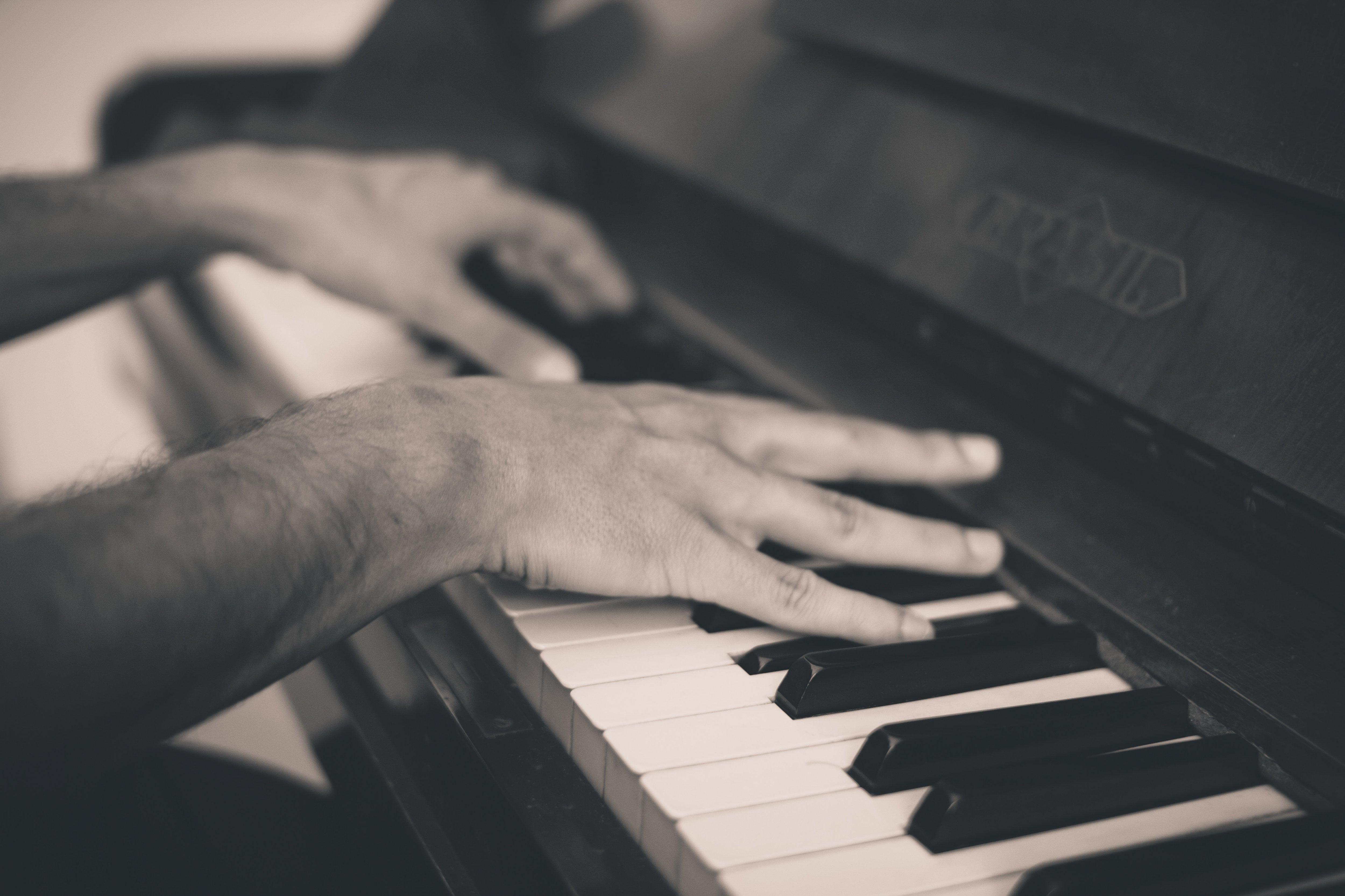 Relax More - Pianospelen moet je ook oefenen