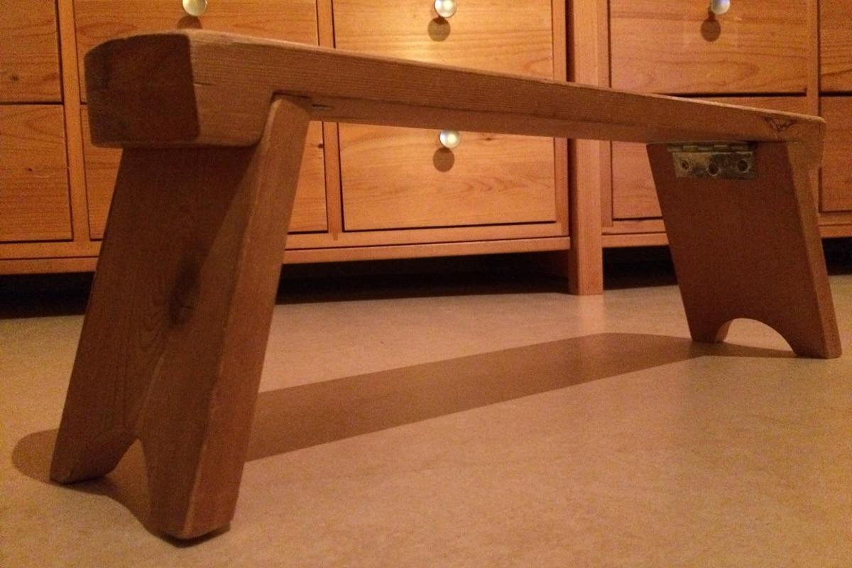 Relax More - Mijn meditatiebankje, opklapbaar, met extra stevigheid zodat de scharnieren goed blijven.