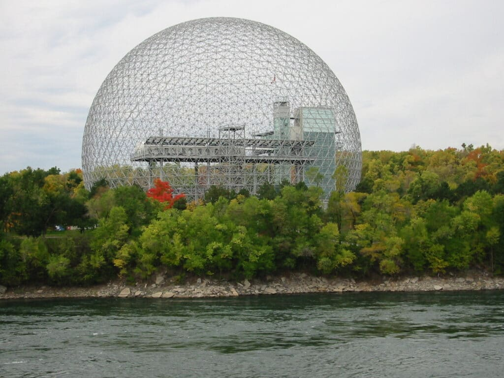 The Montreal Biosphère by Buckminster Fuller, 1967. CC BY-SA 3.0